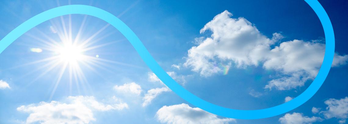 ciel bleu et soleil